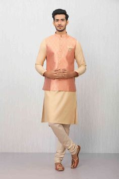 Green Kurta Jacket Set with Light Work Mens Indian Wear, Indian Men Fashion, Engagement Suit For Man, Wedding Kurta For Men, Modi Jacket, Mens Kurta Designs, Marriage Dress, Indian Wedding Outfits, Groom Outfit
