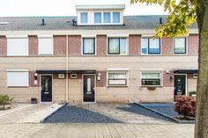 Woning gevonden in Wijk en Aalburg via funda https://www.funda.nl/koop/wijk-en-aalburg/huis-49391300-vlasakker-9/