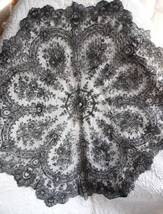 My choice for best lace from the 8/9/2015 Ebay Alerts. Chantilly parasol cover. Parasol Covers, Chantilly Lace, Lace Collar, Bobbin Lace, New Pins, Flower Designs, Vintage Antiques, Victorian, Embroidery