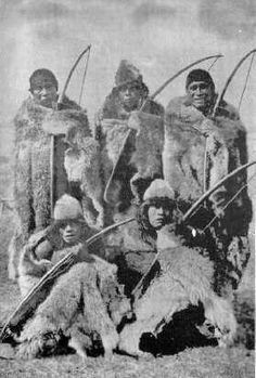The French are crazy ; Native American Genocide, Native American Indians, Native Americans, Australian Aboriginals, Schnauzer Art, Latina, Parts Of The Earth, Native American Photos, Tribal People