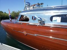 Launched in by a man so rich he owned pretty much the entire east shore of Lake Tahoe, the Thunderbird represents the absolute hight of art deco wooden boat design. Informations About Launched i Wooden Speed Boats, Wood Boats, Yacht Boat, Boat Dock, Classic Wooden Boats, Classic Boat, Classic Yachts, Classic Cars, Chris Craft Boats