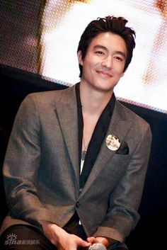 a very handsome. Daniel Henney, Dennis Oh, Dad Of The Year, Mixed Guys, Handsome Asian Men, Men Photography, Kdrama Actors, Japanese Men, Attractive Men