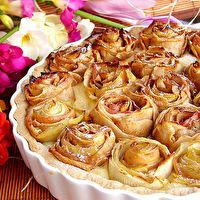 Apple Pie of Roses by Anita Couch.  Lacey, this looks like the apple tart that Johanna made that you like so much.