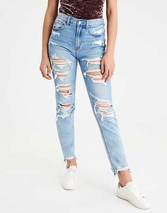 Shop American Eagle for Women's High-Waisted Jeans that look as good as they feel. Browse jeggings, skinny jeans, Curvy jeans and more in the high-waisted fit you love. High Rise White Jeans, White High Waisted Jeans, High Waisted Distressed Jeans, White Distressed Jeans, Cute Ripped Jeans, Light Wash Ripped Jeans, Ripped Jeans Outfit, Torn Jeans, Denim Jeans