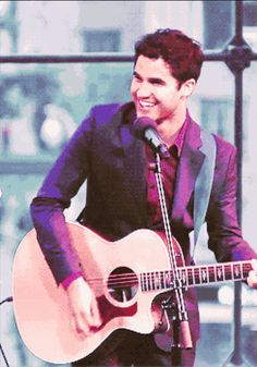When he smiled all adorably like this. | The 26 Most Adorable Darren Criss Moments Ever