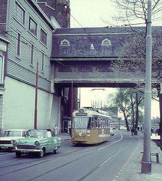Linkerrottekade Crooswijk ...Heineken met tramlijn 15 foto is van 1965 ... MG...