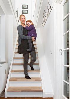 Så enkelt lager du din egen trapp - viivilla.no My House, Scale, Loft, Design, Diy, Stairs, Weighing Scale, Bricolage, Lofts