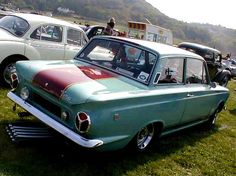1960s Ford Cortina GT photograph at www.oldclassiccar.co.uk