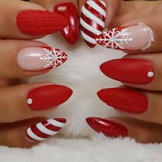 Christmas nail art design | Christmas snowflake nails #Nails #NailsDesign