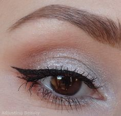Review of Avon Mega Effects Creamy Eyeshadow in White Gold