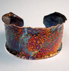 Hammered copper cuff bracelet. Art.