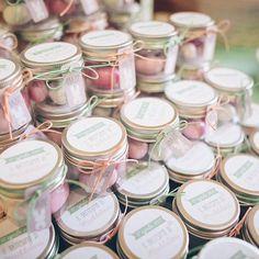 Bomboniere dolci, rosa e verde menta per un battesimo che sa di primavera!