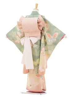 Traditional Japanese Kimono, Traditional Dresses, Japan Fashion, Kawaii Fashion, Kimono Fashion, Fashion Outfits, Baby Kimono, Kimono Japan, Japan Outfit