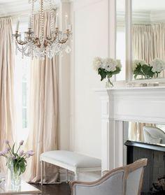 Cosy Home Interior parisian - gorgeous colour pallette.Cosy Home Interior parisian - gorgeous colour pallette Classic Decor, Elegant Home Decor, Elegant Homes, Cheap Home Decor, Chic Living Room, Home Living, Living Room Decor, Modern Living, Parisian Decor