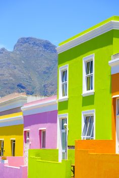 awesome Cape Town, South Africa - colourful houses from Cathay Pacific Airways. Colourful Buildings, Beautiful Buildings, Colorful Houses, Beautiful World, Beautiful Places, Fachada Colonial, Cape Town South Africa, Cozy Nook, Africa Travel