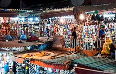 Randy and Bethany of Beers and Beans share 5 tips for exploring the markets of Marrakech    www.sanssoucicollection.com