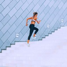 Get the double fitness effect with jogging plus strength training - Cellulite Exercises - Fitnessübungsplan Jogging, Pilates, Marathon, Cellulite Exercises, 30 Day Workout Challenge, 30 Day Fitness, Tabata, Workouts Hiit, Improve Blood Circulation