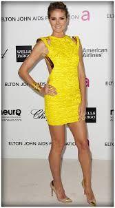 vestido amarelo sandalia vermelha - Pesquisa Google