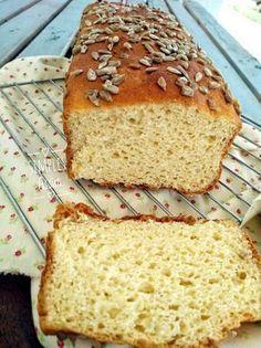 Pão fofinho sem glúten Paleo Bread, Bread Recipes, Cooking Recipes, Healthy Gluten Free Recipes, Vegan Gluten Free, Salty Foods, Lactose Free, Food And Drink, Eat