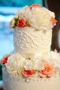 #cake #wedding #flowers