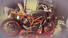 Nina Bowdler, living in Perth, Australia, has one of the coolest little KTM Duke 390 motorcycles around. Custom built just for her in Scrambler form.