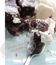 Suklaamarenki: Gluteeniton suklaakakku Deserts, Good Food, Gluten Free, Pudding, Homemade, Baking, Eat, Drink, Bread Making