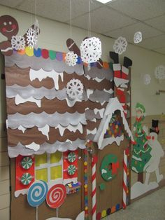 PRESCHOOL WINTER WONDERLAND | Gingerbread House Winter wonderland Classroom Door Decorations!