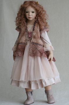 like the clothes.. lace and pale cottons are great..