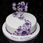 70th Lilac Flower Cake par Mrs Mac's Creative Cakes