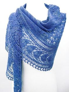 The knitted shawl patterns are always asked for a lot and there are tons of them out there. Below we have displayed many beautiful shawl kits. Knitted Shawls, Crochet Scarves, Crochet Shawl, Crochet Lace, Lace Shawls, Shawl Patterns, Lace Patterns, Knitting Patterns, Crochet Capas