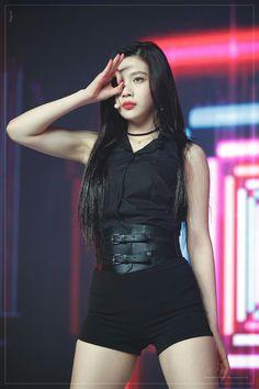 Joy of Red Velvet Red Velvet Joy, Red Velvet Irene, Stage Outfits, Kpop Outfits, Seulgi, Black Pink ジス, Kpop Mode, Kpop Fashion, Beautiful Asian Girls