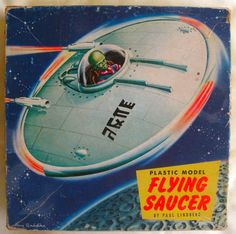 Flying Saucer with Glow Pilot 1954 Kit Atlantis Model Plastic Model Kits, Plastic Models, Retro Toys, Vintage Toys, Retro Rocket, Spaceship Art, Space Toys, Plastic Injection Molding, Flying Saucer