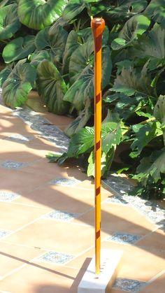 Baston nº 39. Con 25 piezas de madra de caoba de Cuba, 25 piezas de badi africano y 1 de limon. Coleccion  rcuetosevilla@gmail.com   Málaga
