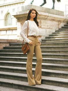 Tips para Cuerpo Triángulo Invertido  always prefer pants with wider cut on the ankles.