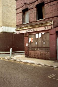 Quaker Street1987 | Photographs of Time Passing in Spitalfields | Spitalfields Life