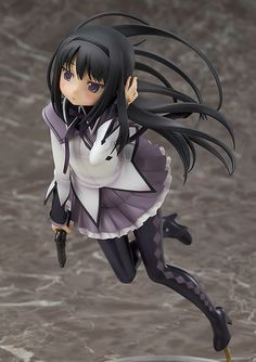 Good Smile Company takes a broader view of Madoka Magica (that's a forced wide face joke) with a new scale figure of Homura Akemi based on manga artist/original character designer Ume Aoki's&nbsp Figurine Pop Manga, Anime Figurines, Anime Hunter, Mode Shop, Anime Dolls, Image Manga, Good Smile, Magical Girl, Cosplay Costumes