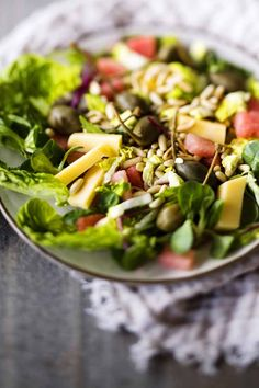 Fresh Summer Salad. Photo: Johanna Myllymäki, Styling: Kati Pohja. Kotivinkki 10/2013.