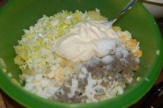 """""""Bałkańska """" sałatka śledziowa - Ogrodnik w podróży Grains, Salads, Pudding, Desserts, Food, Cakes, Pisces, Tailgate Desserts, Deserts"""