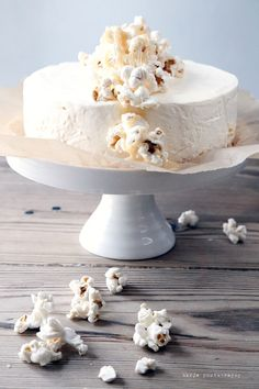 cheesecake with caramel and popcorn