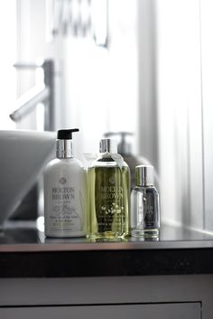 Molton-Brown-Dewy-Lily-of-the-Valley-&-Star-Anise-Spring-Collection