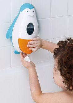 Porta sapone a forma di pinguino e il bagnetto sarà più divertente.  #bambini #regalo #mamme