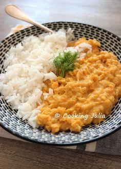 Voici une nouvelle idée de plat végétarien, et même vegan, ni long ni coûteux à réaliser : un dhal orange à base de patate douce et de lenti...