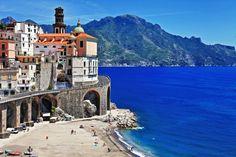 Itália, ATRANI Situada em Amalfi, esta é a menor cidade do sul da Itália, e um lindo lugar para visitar. Tão lindo, que aparece no famoso comercial do Fiat 500.