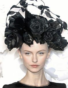 Katsuya Kamo paper hats for Chanel SS 2009 Haute Couture show.