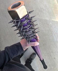 18 Bizarre Weapons That May or May Not Be Useful - Messer Mode Apocalypse, Zombie Apocalypse Weapons, Pretty Knives, Cool Knives, Swords And Daggers, Knives And Swords, Knife Aesthetic, Armas Ninja, Cool Swords