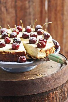 Liesl du Plessis van Bloemfontein se WEN-KAASKOEK is maklik, lekker en 'n waardige wenner. Daar het ongelukkig 'n foutjie ingeglip by die bestanddele van dié kaaskoek - 2 eiers is uitgelaat. Tart Recipes, Cheesecake Recipes, Sweet Recipes, Baking Recipes, Dessert Recipes, Cheesecake Bites, Pudding Recipes, Desserts, Sweet Pie