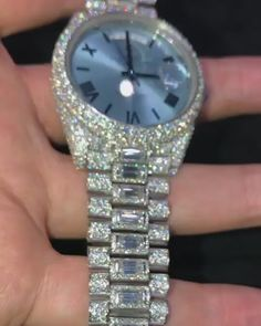 Rolex Diamond Watch, Gold Diamond Watches, Rolex Explorer Ii, Expensive Watches, Expensive Jewelry, Flipagram Instagram, Rolex Women, Gold Jewellery Design, Cute Jewelry