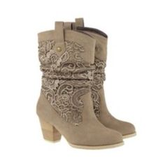 its official im buying myself cow girl boots for my bday