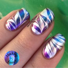 Image via Swirly peppermint water marble nail art, Christmas nails Image via How to make a purple nail art on the water Image via Cool water marble nails art designs Image vi Marble Nail Designs, Simple Nail Art Designs, Nail Polish Designs, Easy Nail Art, Fancy Nails, Pretty Nails, Water Marble Nail Art, Water Nails, Nail Art Techniques