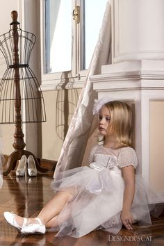 Haute couture dress made of French lace, embroidered all over by hand with pearls, design by Alexandra Plati. Baptism Outfit, Cat Store, First Communion Dresses, Haute Couture Dresses, Luxury Dress, French Lace, Shoe Collection, Dress Making, Flower Girl Dresses